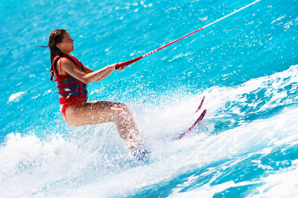 https://tahititourisme.uk/wp-content/uploads/2017/08/ACTIVITES-NAUTIQUES-Tahiti-WaterSports-Center-3.jpg