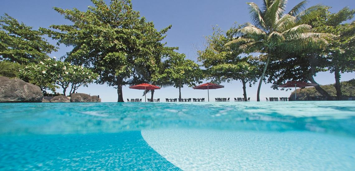 https://tahititourisme.uk/wp-content/uploads/2017/08/HEBERGEMENT-Tahiti-Pearl-Beach-Resort-3.jpg