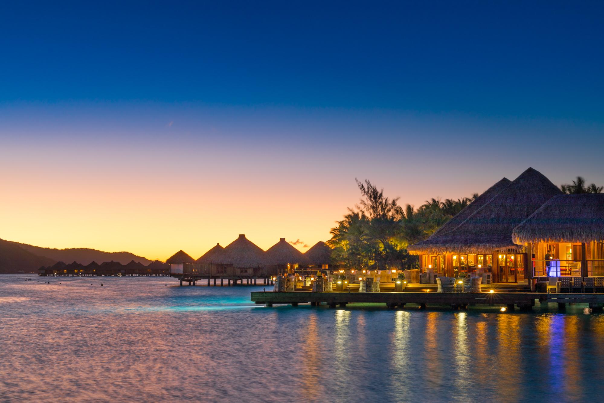 https://tahititourisme.uk/wp-content/uploads/2017/08/Lagoon-Restaurant.jpg