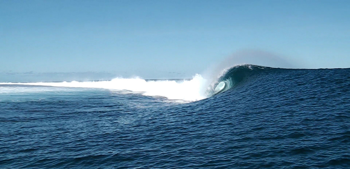 https://tahititourisme.uk/wp-content/uploads/2017/08/Tehanis-surf-cool.png