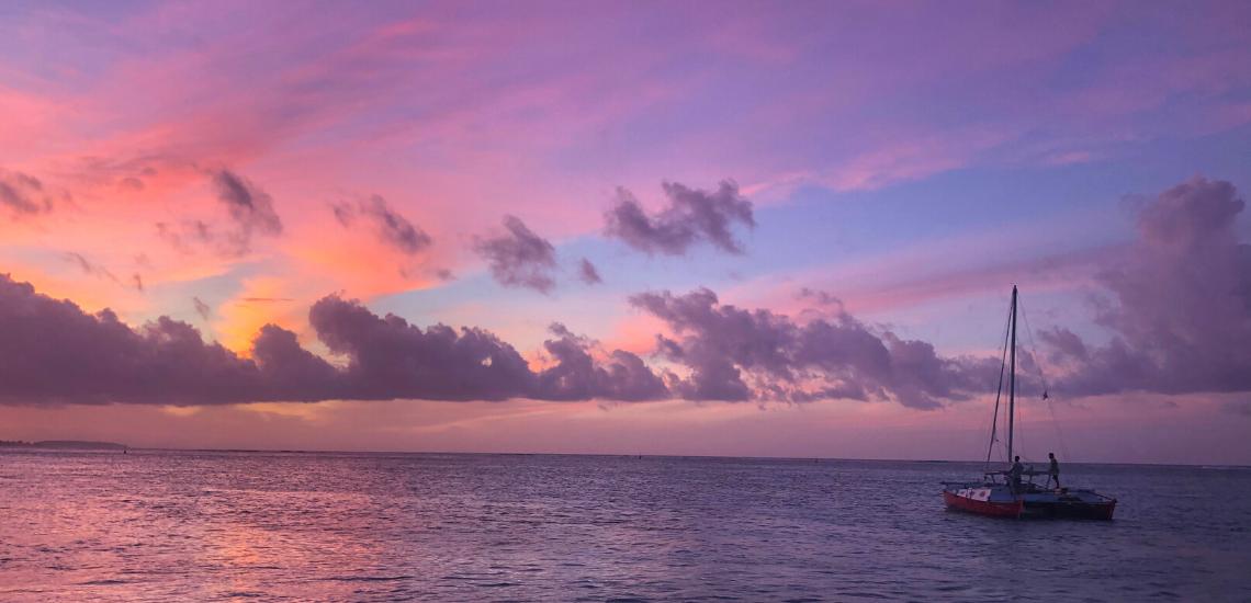 https://tahititourisme.uk/wp-content/uploads/2017/08/voilamoorea_sunset_1140x550.png