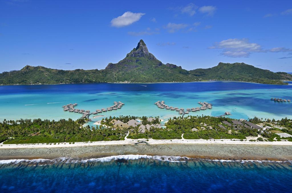 https://tahititourisme.uk/wp-content/uploads/2017/12/InterContinental-Resort-Bora-Bora-Aerial-view.jpg