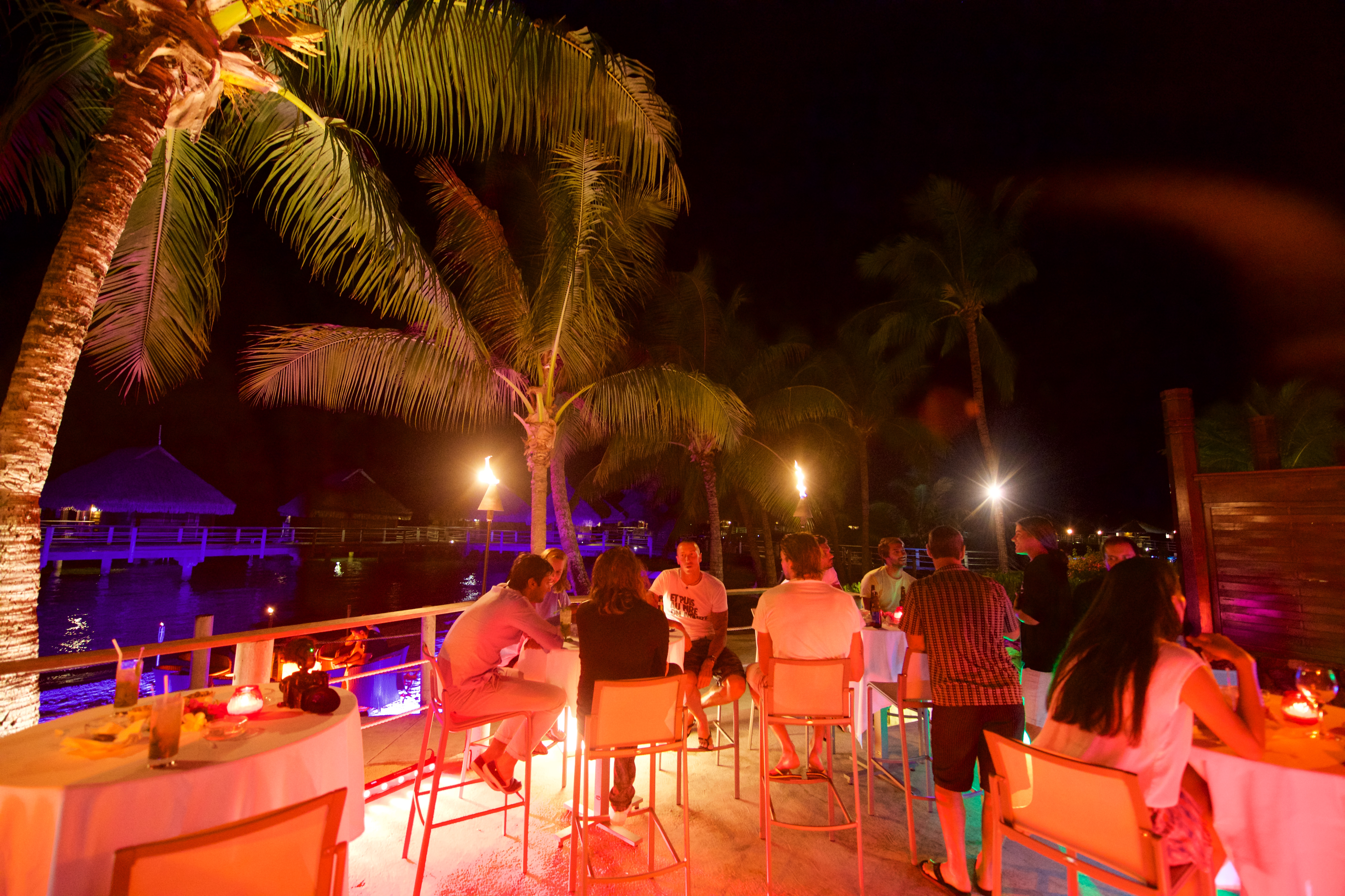 https://tahititourisme.uk/wp-content/uploads/2018/03/RESTAURATION-Matahiehani-Lounge-Bar-featured_image-Tim_McKenna.jpg