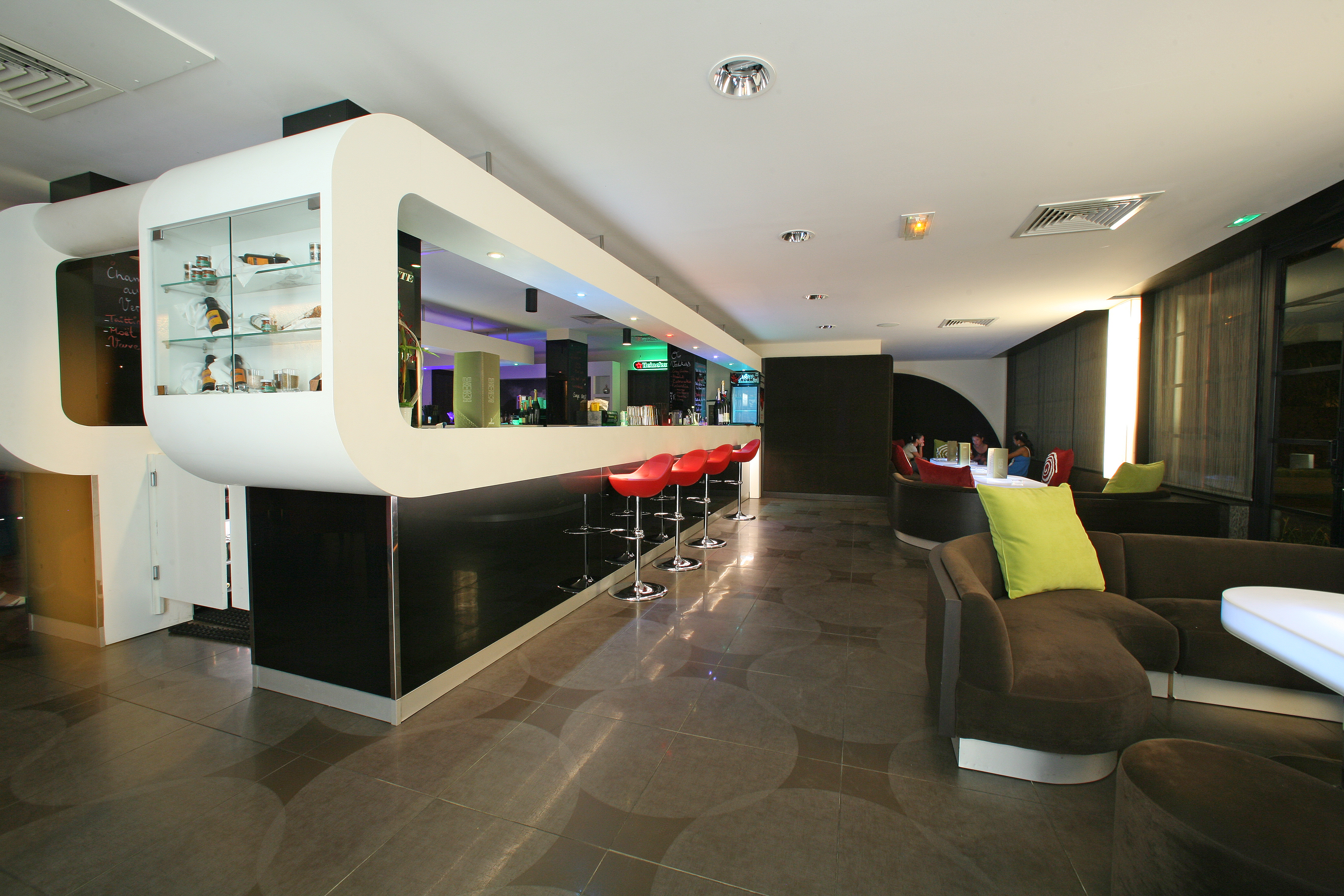 https://tahititourisme.uk/wp-content/uploads/2018/03/RESTAURATION-Punavai-Lounge-Bar-1.jpg
