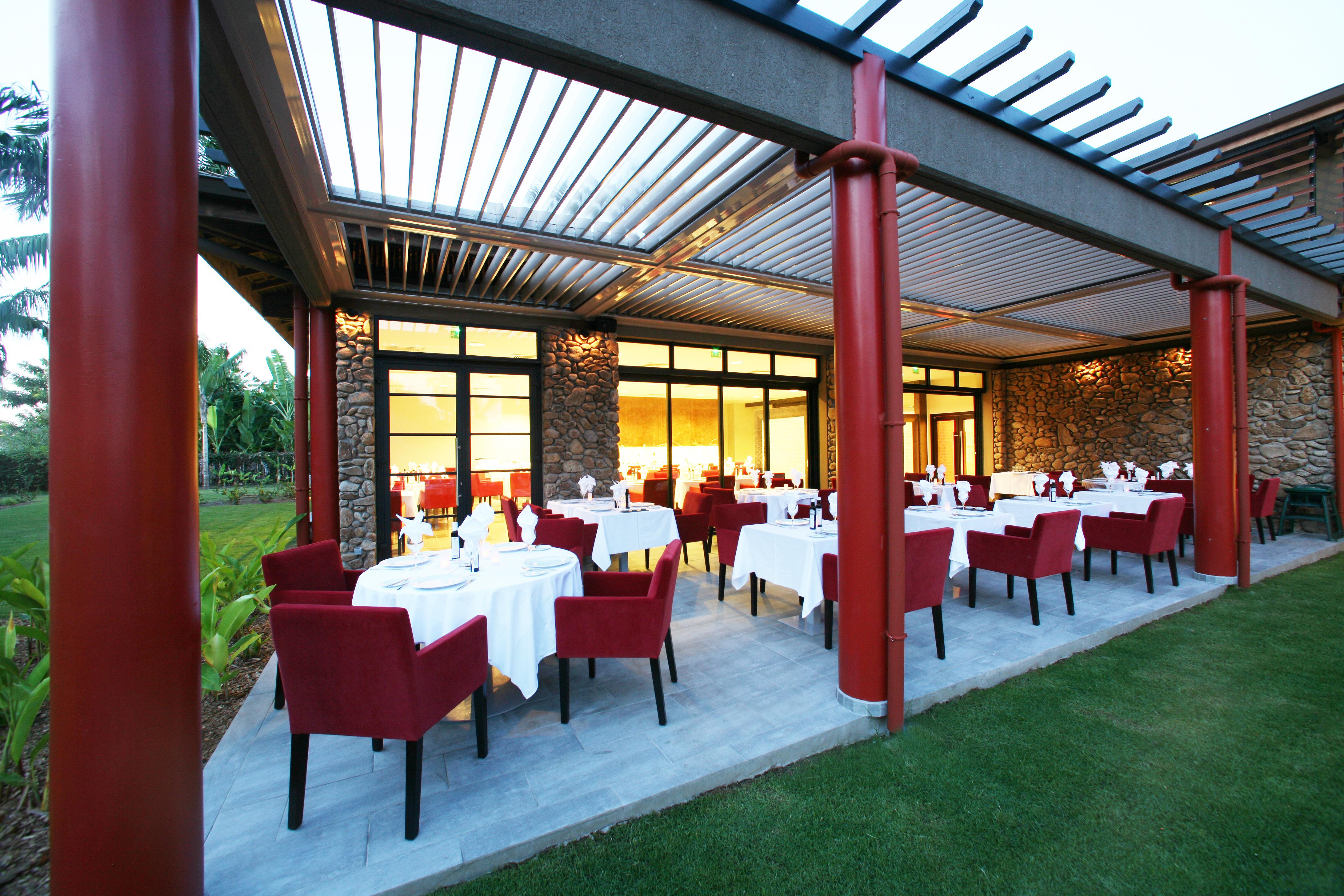 https://tahititourisme.uk/wp-content/uploads/2018/03/RESTAURATION-Vaitohi-Restaurant-1.jpg
