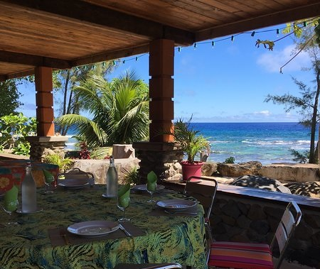 https://tahititourisme.uk/wp-content/uploads/2018/04/view-from-terrace-commune.jpg