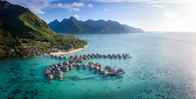 https://tahititourisme.uk/wp-content/uploads/2019/06/Resort-Exterior.jpg