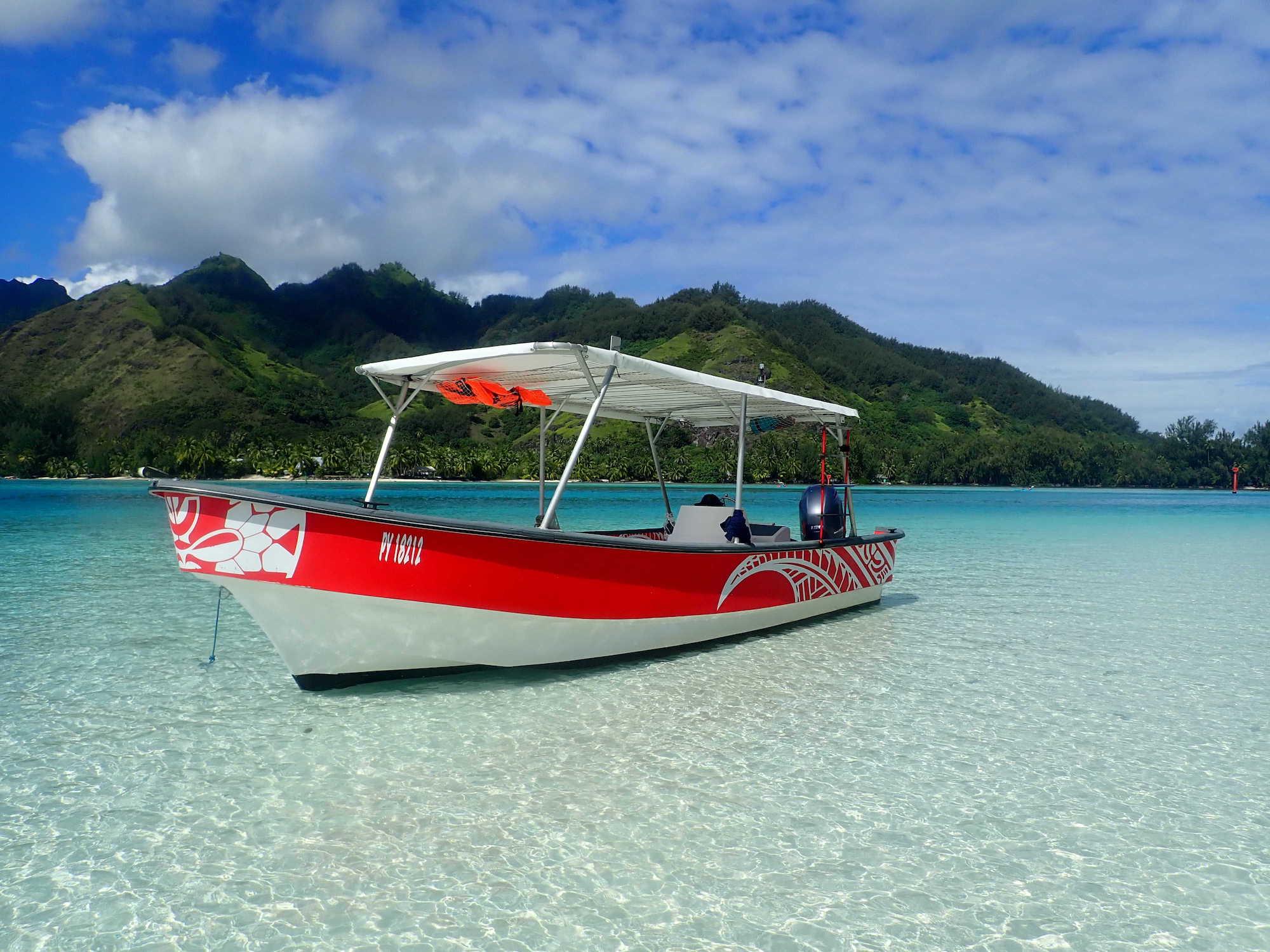https://tahititourisme.uk/wp-content/uploads/2020/09/Boat-Hinaloa.jpg