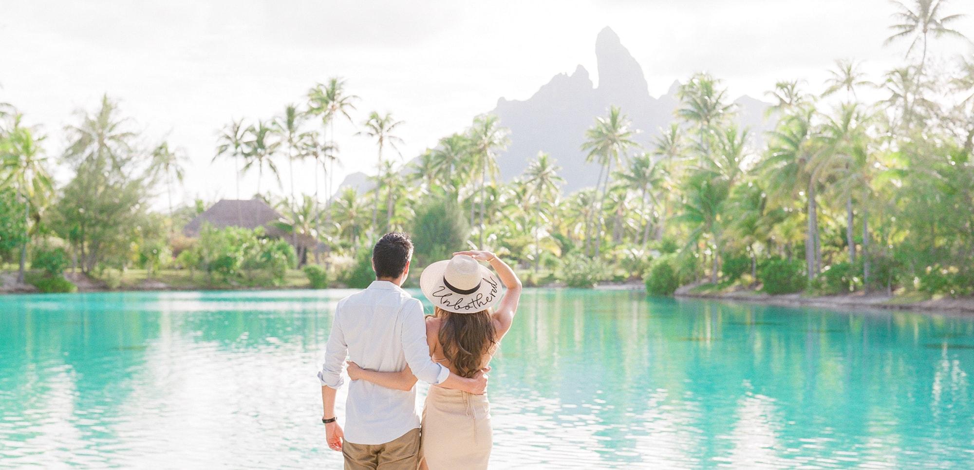 https://tahititourisme.uk/wp-content/uploads/2021/04/PCP-Bora-Bora-Photographer-St-Regis-Honeymoon.jpg